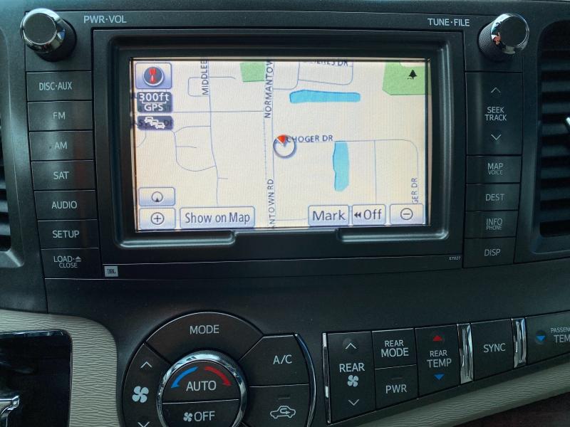 Toyota Sienna 2011 price $13,998