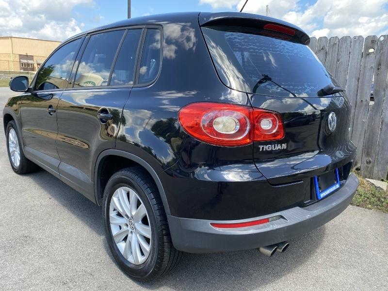 Volkswagen Tiguan 2010 price $5,999