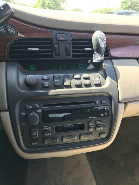 Cadillac DeVille 2003 price $4,995