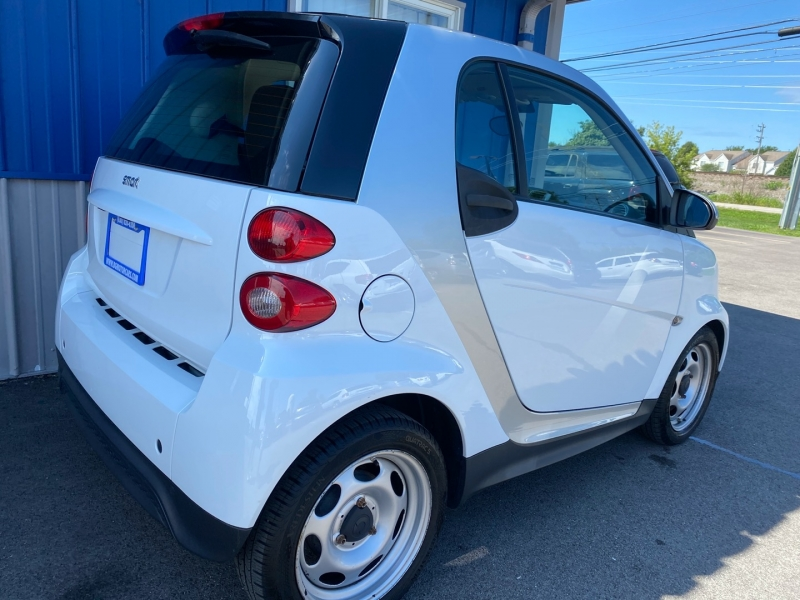 Smart fortwo 2013 price $6,991