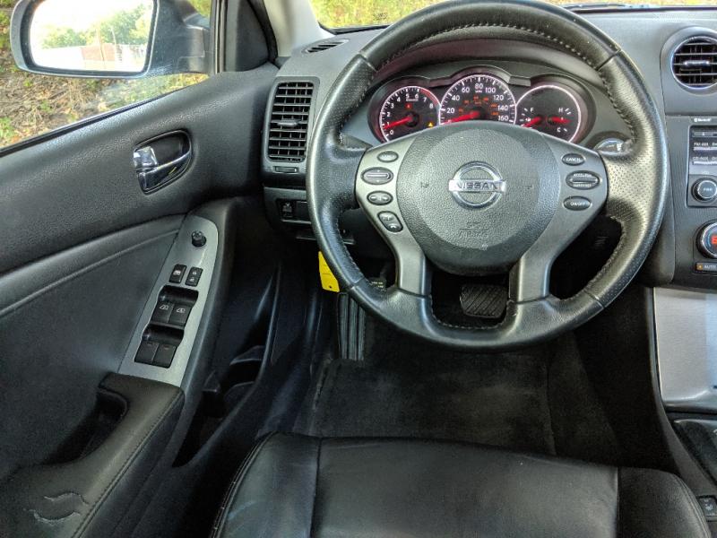 Nissan V4 2.5L 2012 price $5,500 Cash