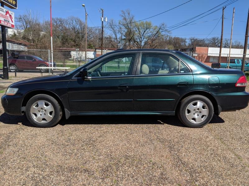 Honda Accord 2001 price $3,599