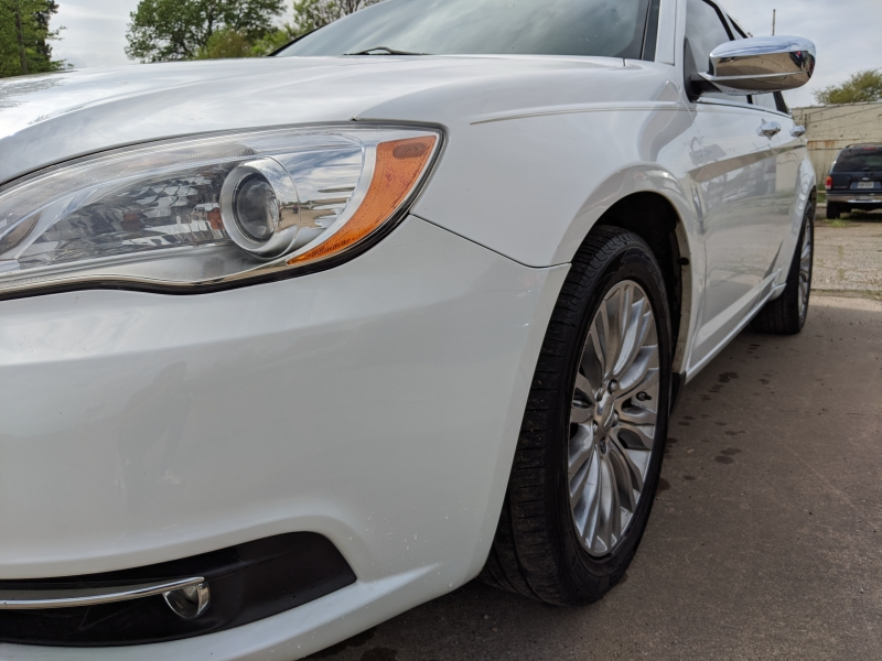 Chrysler 200 2012 price $5,900