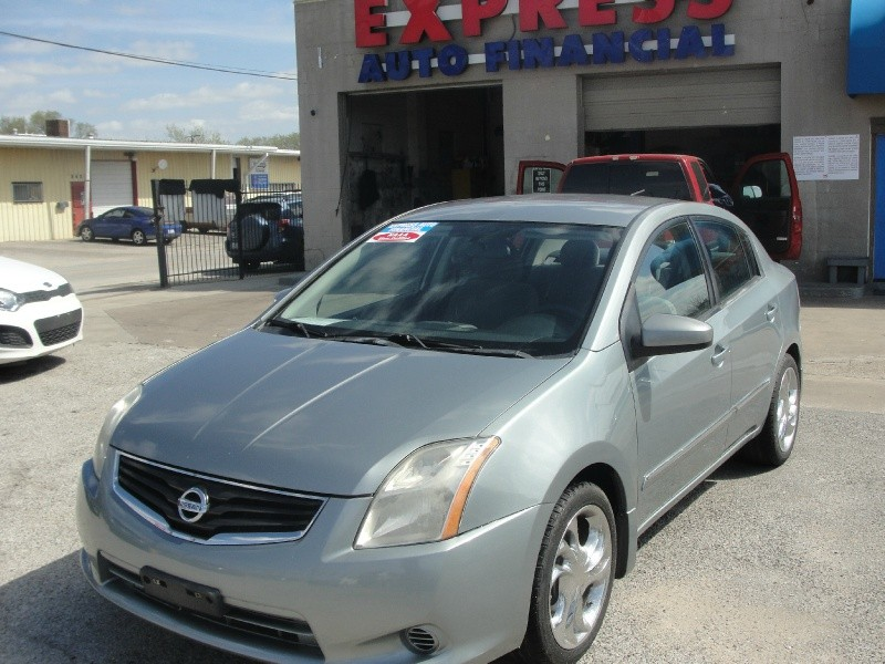 2010 nissan sentra 4dr sdn i4 cvt 2 0 sr inventory express auto financial auto dealership. Black Bedroom Furniture Sets. Home Design Ideas