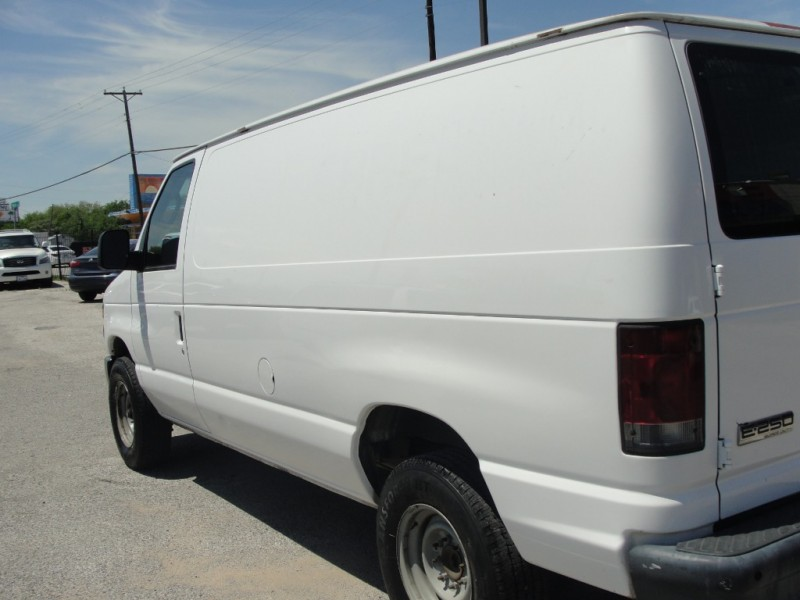 Ford Econoline Cargo Van 2008 price $2,000 Down