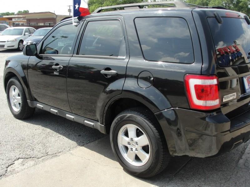 Ford Escape 2011 price $800 Down