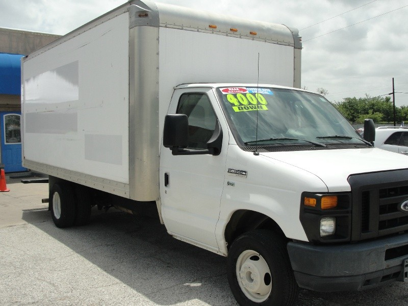Ford Econoline Commercial Cutaway 2012 price $4,000 Down
