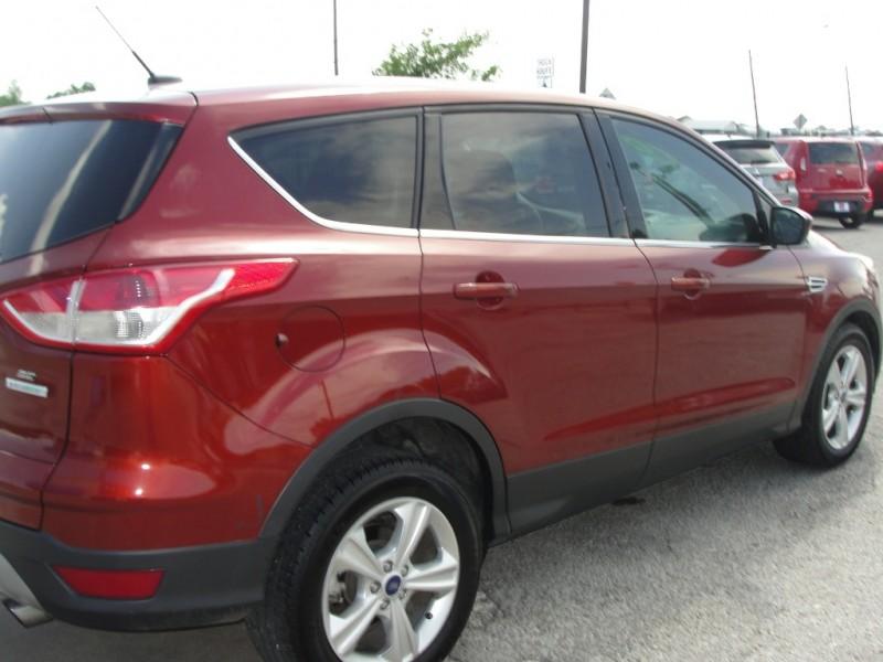 Ford Escape 2014 price $3,000 Down