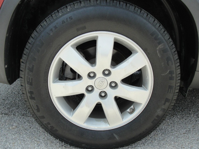 Kia Sorento 2011 price $1,000 Down