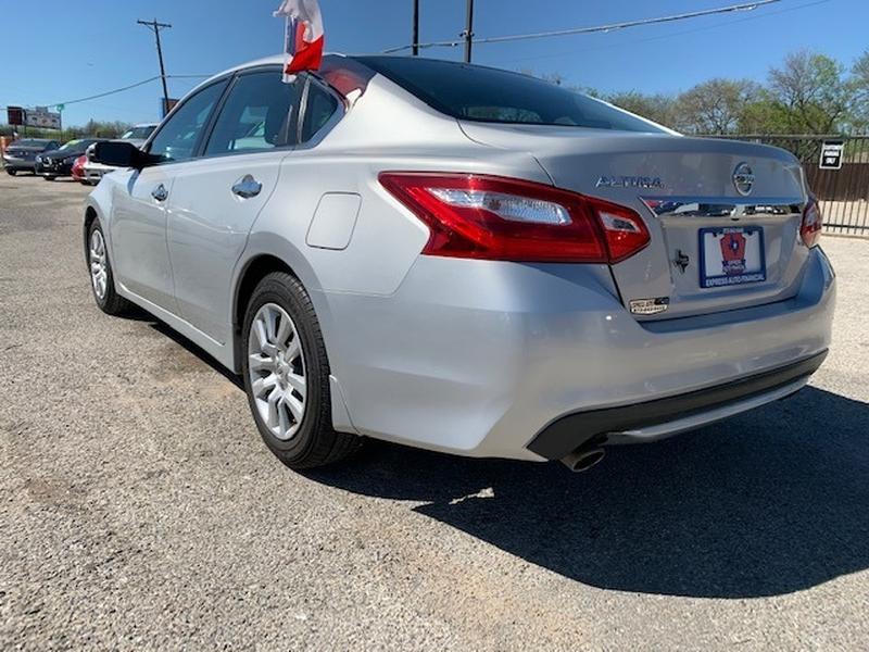 Nissan Altima 2017 price $3,000 Down