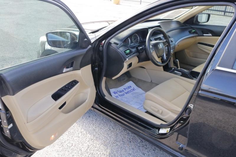 Honda Accord Sdn 2012 price $2,500 Down