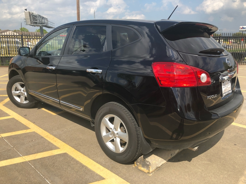 Nissan Rogue 2012 price $8,977