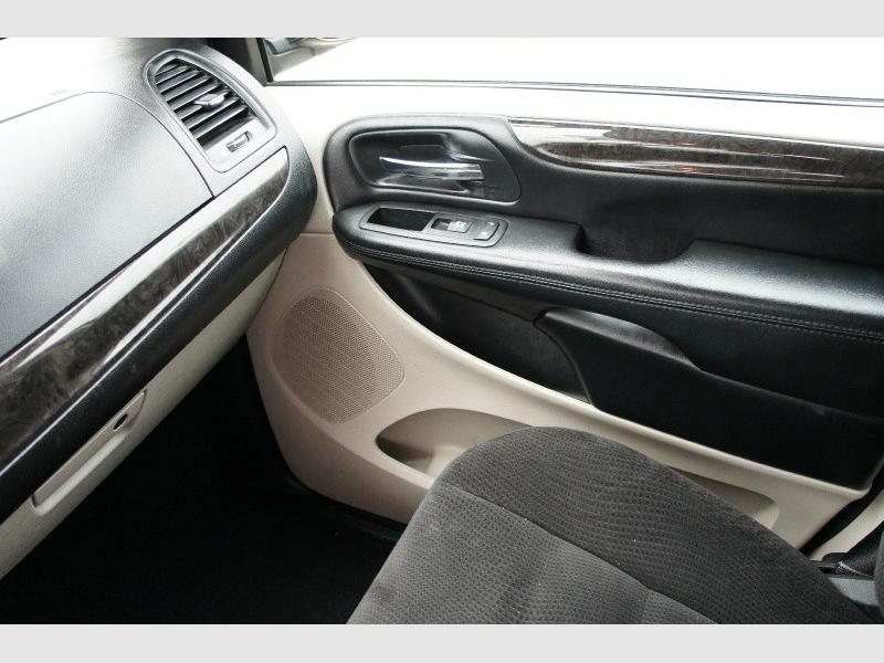 Dodge Grand Caravan 2016 price $11,477