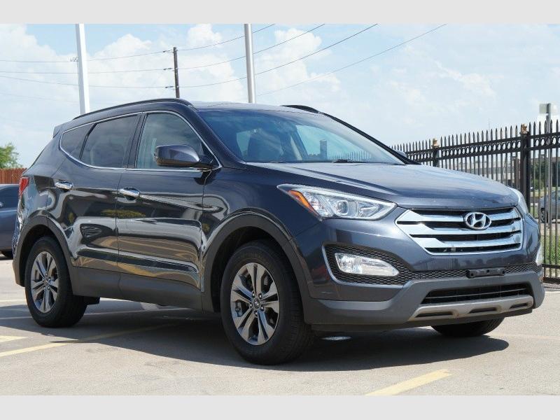 Hyundai Santa Fe 2016 price $15,777