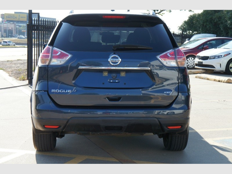 Nissan Rogue 2016 price $12,477