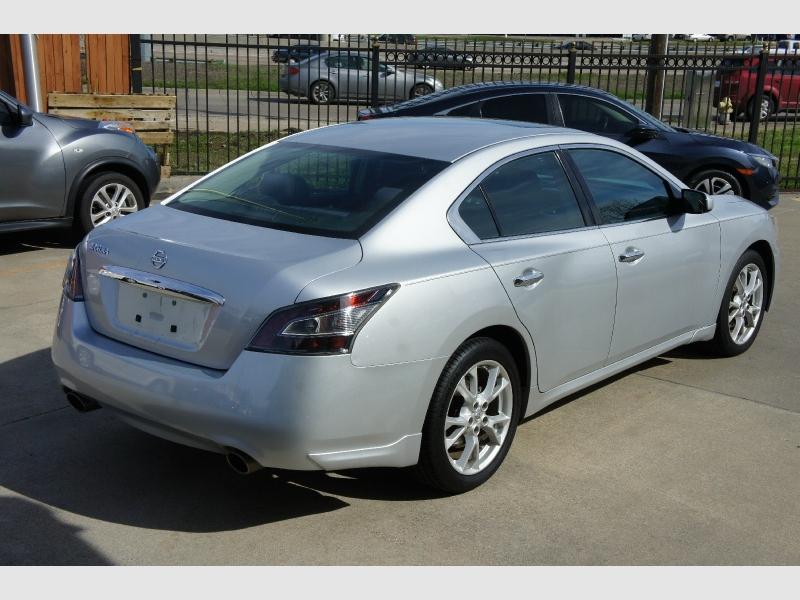 Nissan Maxima 2014 price $10,977