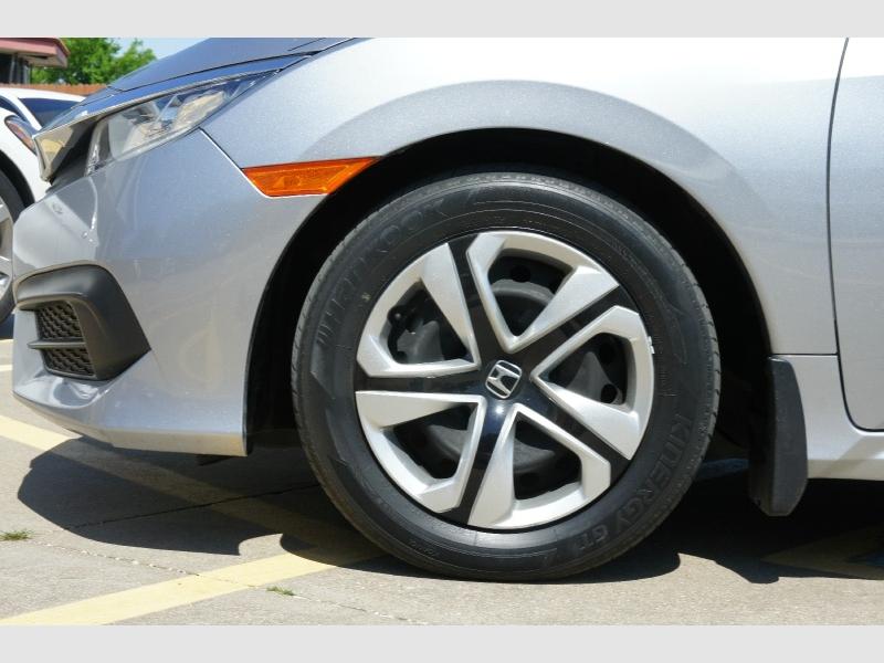 Honda Civic Sedan 2017 price $14,977