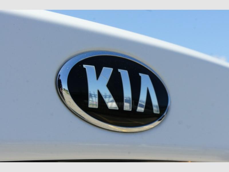 Kia Optima 2017 price $13,777