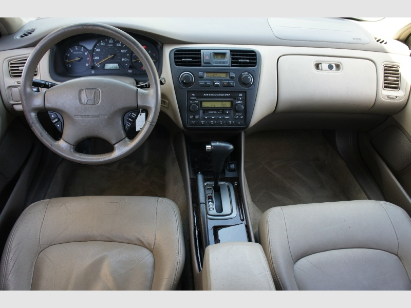 Honda Accord Sdn 2001 price $2,477