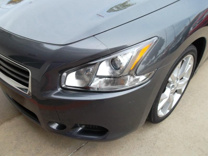 Nissan Maxima 2012 price $10,977