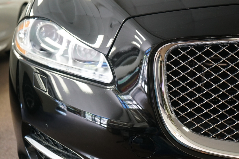 Jaguar XJ 2015 price $44,900