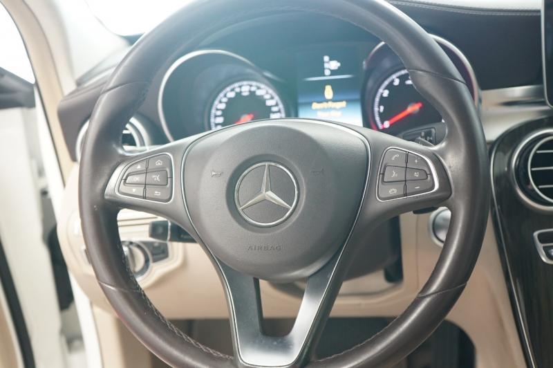 Mercedes-Benz C-Class 2015 price $26,900
