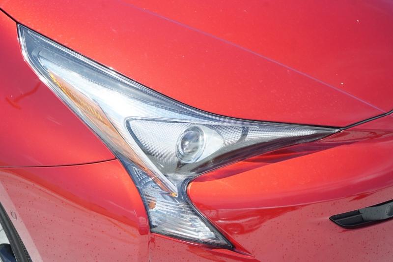 Toyota Prius 2018 price $26,900