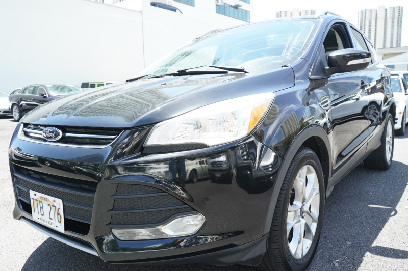 Ford Escape 2015 price $15,900