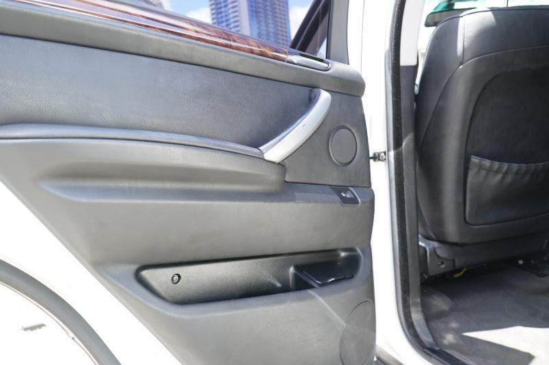 BMW X5 2005 price $8,900