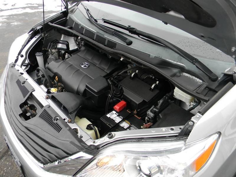 Toyota Sienna 2014 price $13,959
