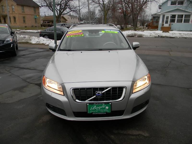 Volvo V70 2009 price $10,565
