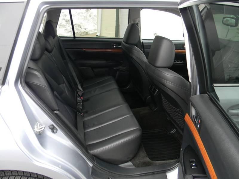 Subaru Outback 2013 price $12,726