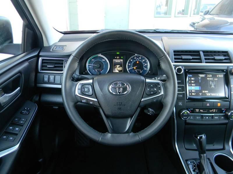 Toyota Camry Hybrid 2017 price $20,969