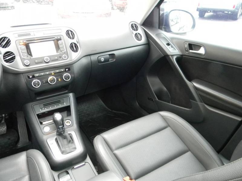 Volkswagen Tiguan 2014 price $12,959