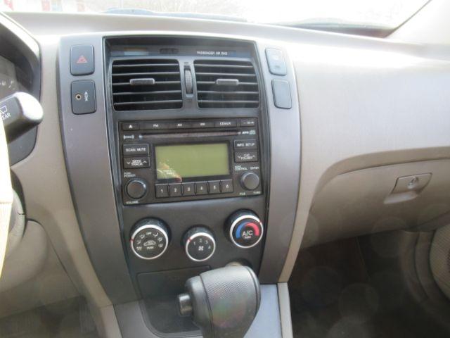 Hyundai Tucson 2009 price Call for Pricing.