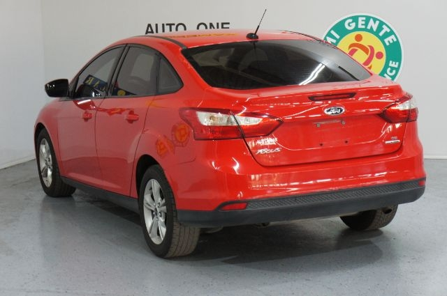 Ford Focus 2013 price Call for Pricing.