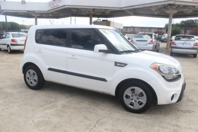 Kia Soul 2013 price Call for Pricing.