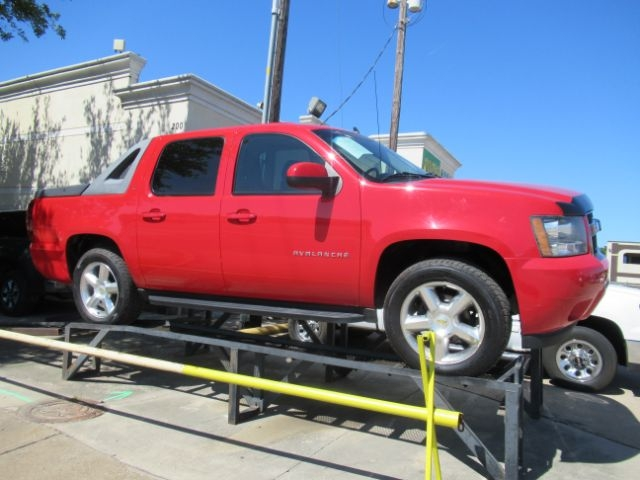 Chevrolet Avalanche 2010 price Call for Pricing.
