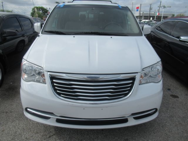 Chrysler Town & Country 2016 price Call for Pricing.