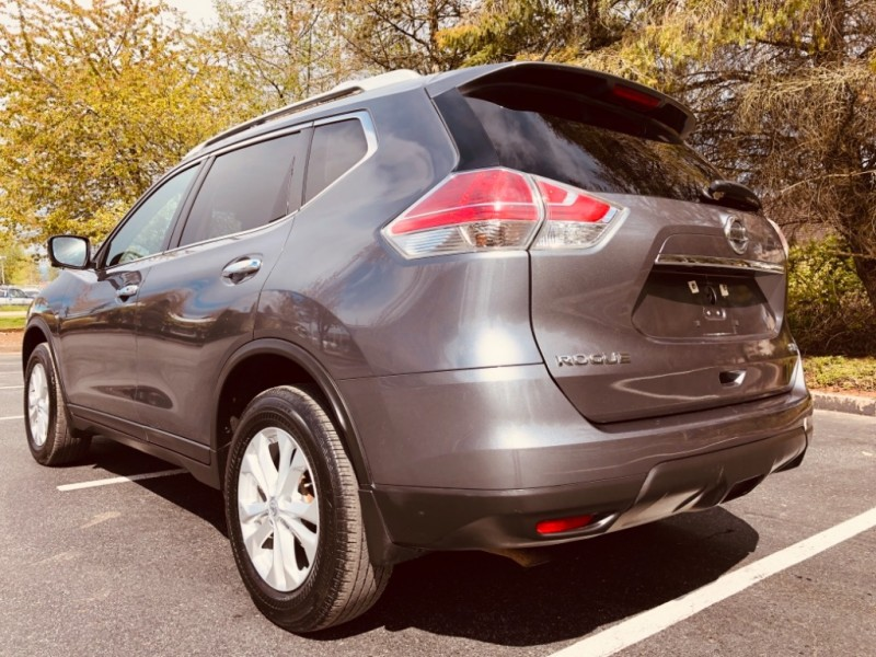 Nissan Rogue 2016 price $21,888