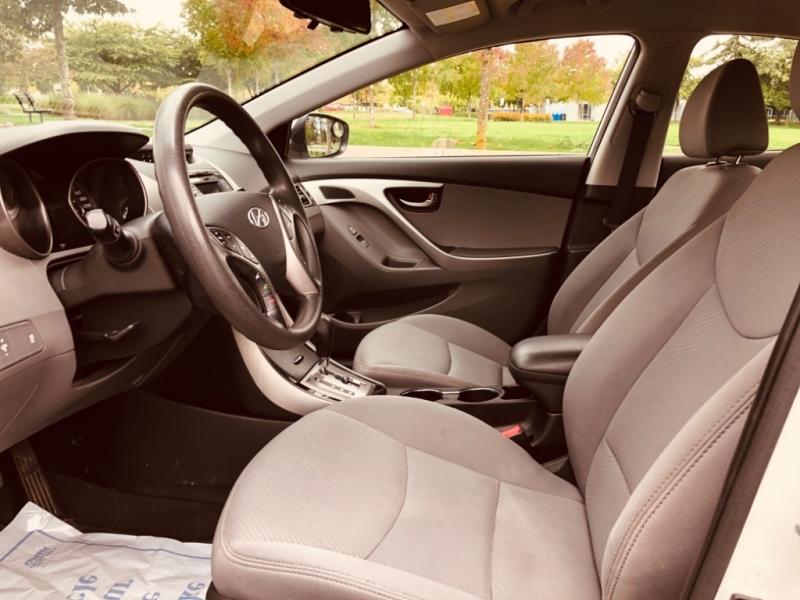 Hyundai Elantra 2013 price $8,888