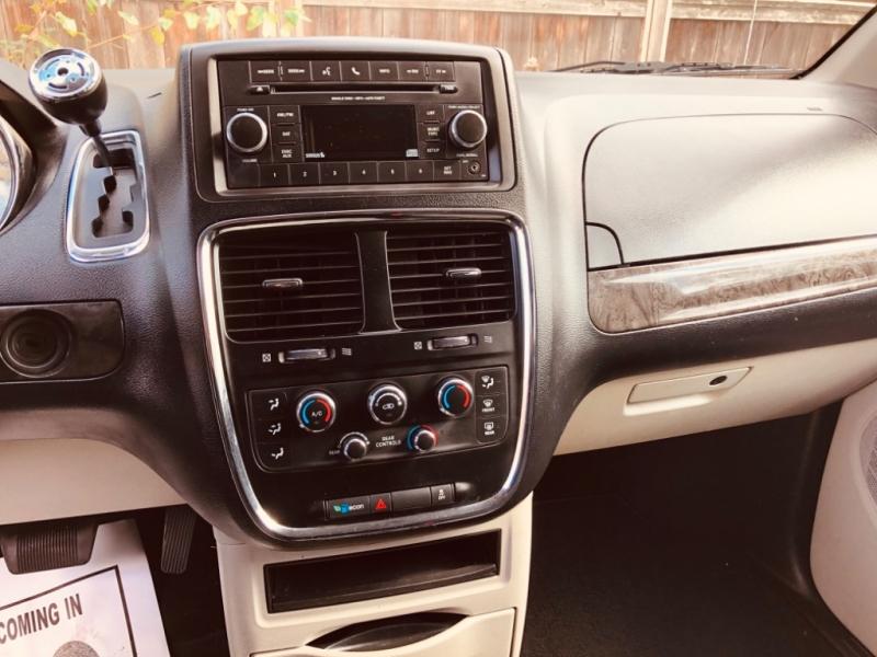 Dodge Grand Caravan 2012 price $7,888