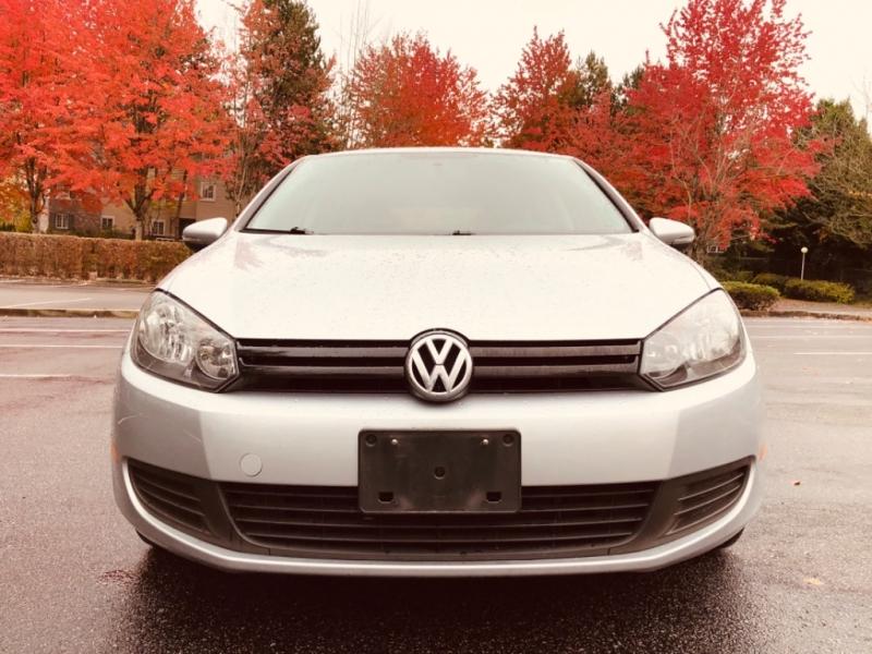 Volkswagen Golf 2013 price $8,888