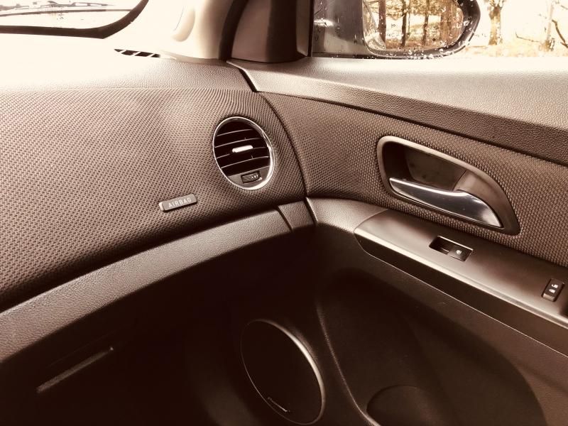Chevrolet Cruze 2015 price $11,888