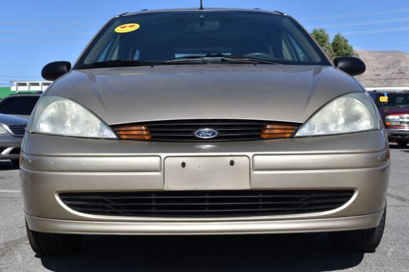 FORD FOCUS 2002 price $3,988