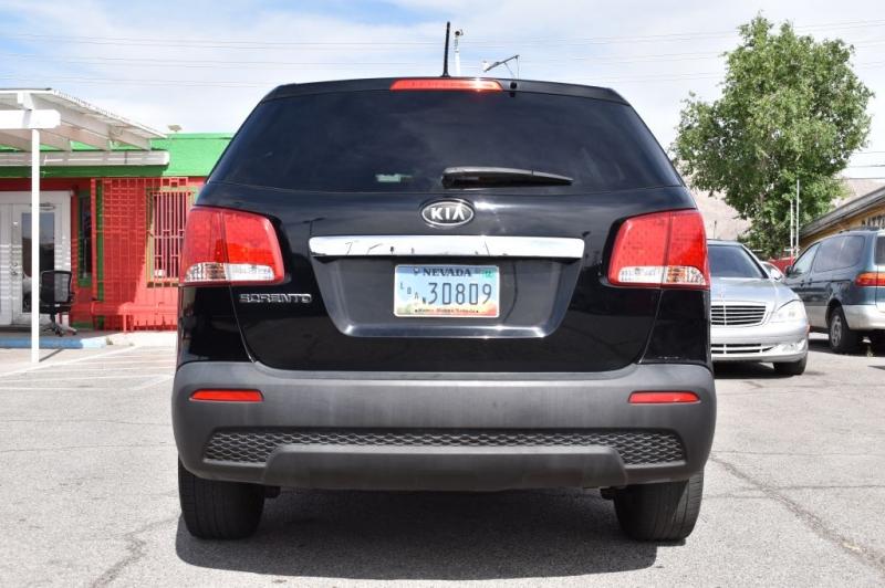 KIA SORENTO 2012 price $5,988