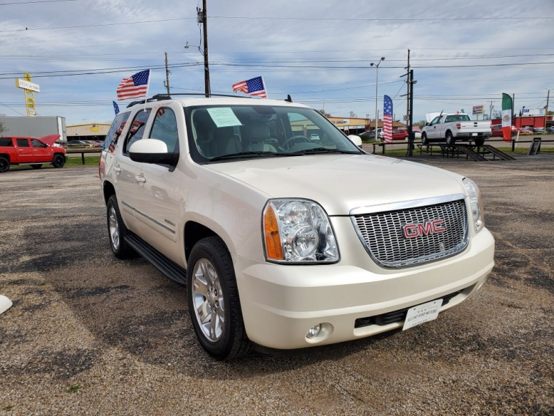 GMC YUKON 2013 price $19,995