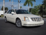 Cadillac DTS 2011