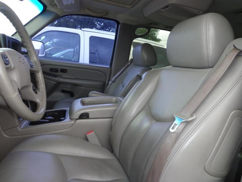 CHEVROLET SUBURBAN 2006 price $6,995