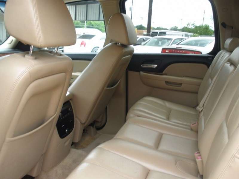 Chevrolet Avalanche 2007 price $15,000